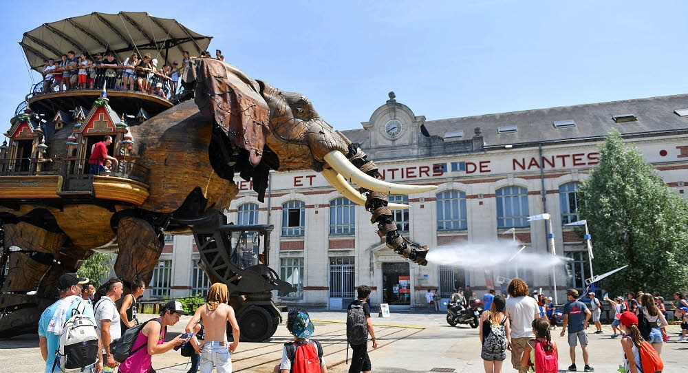 le-grand-elephant-symbole-des-machines-de-l-ile-et-premier_3506232